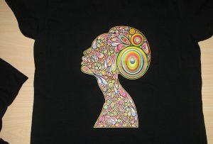 T-shirt printing warna hitam oleh printer T-shirt A2 WER-D4880T